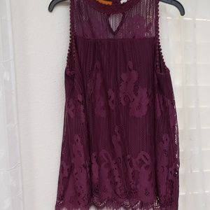 Size L wine colored croched lacy sleeveless top